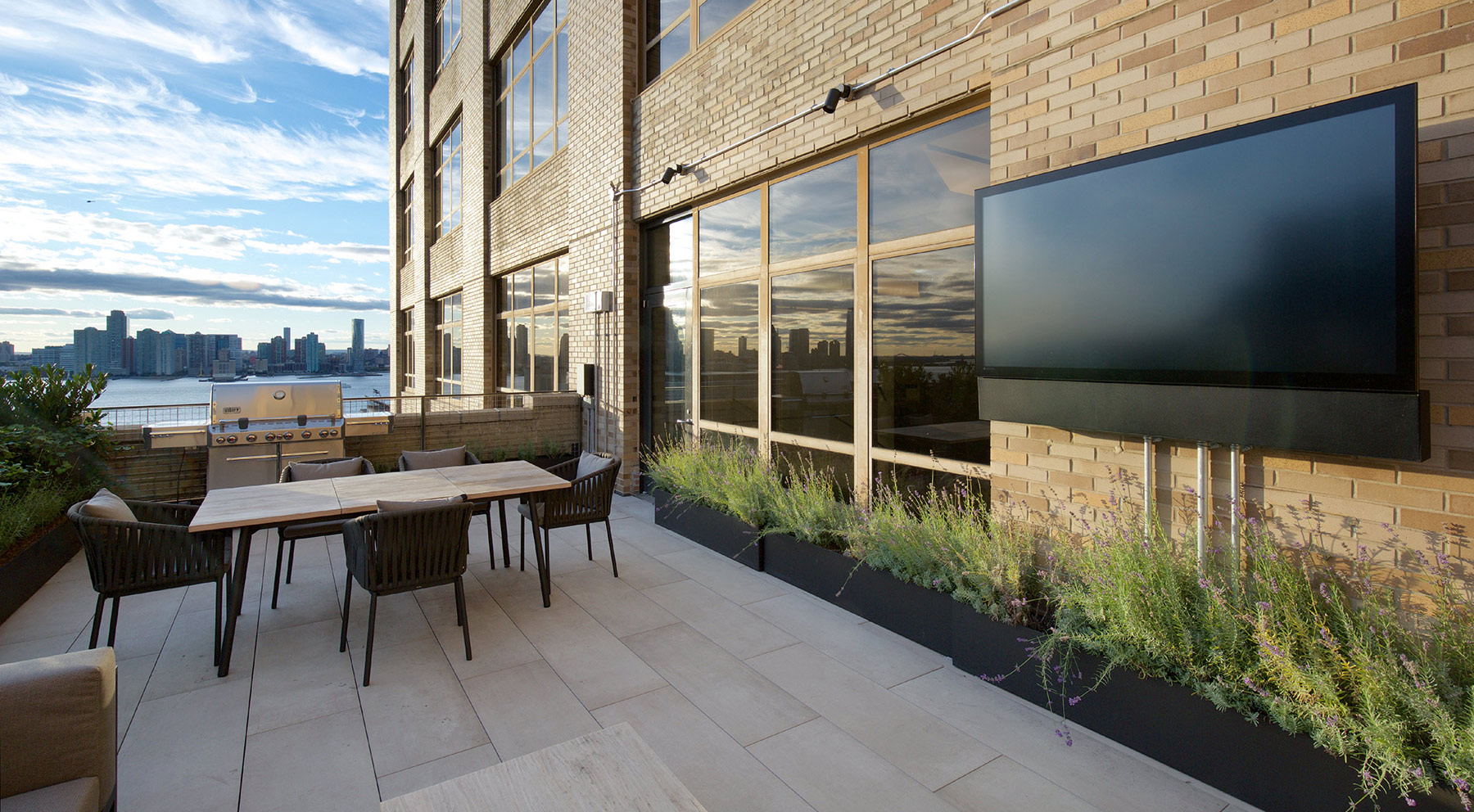 Outdoor space at 345 Hudson Street